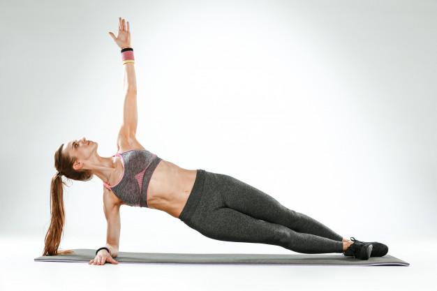 Body Toning ist ein Ausdauertraining mit einfachen Aerobic-Grundschritten, gefolgt von einem Kraftraining für den ganzen Körper mit diversen Hilfsmitteln und Zusatzgewichten wie zum Beispiel Hanteln, Theraband, Tubes gezielt geformt und gekräftigt werden.